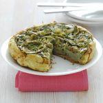 Scopri su Sale&Pepe la gustosa ricetta della tatin al prosciutto crudo e aromi, è una torta salata di sfoglia adatta a ogni occasione.