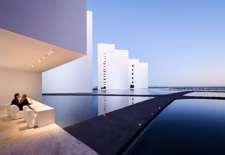 The All-White Amazing Decoration From A Luxury Hotel In Mexico | www.bocadolobo.com #homedecorideas #decorideas #luxuryhotel #hotels #exclusivedesign #interiordesign #allwhite @homedecorideas Luxury Hotel The All-White Amazing Decoration From A Luxury Hotel In Mexico 1