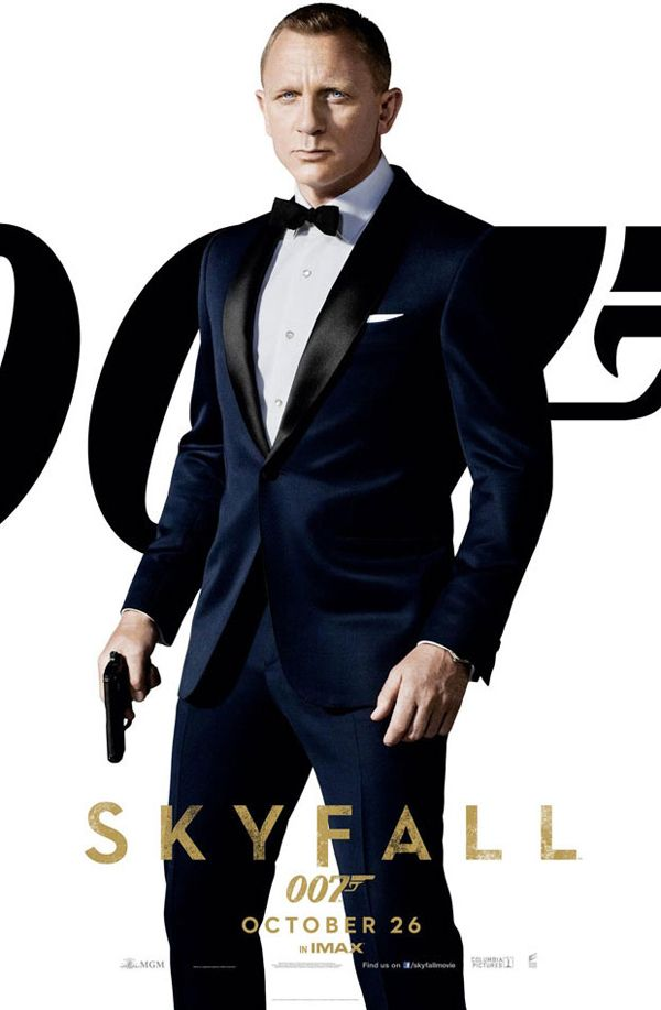 Perhaps my favorite menswear look of all time: James Bond in a Midnight Blue Tom Ford Tuxedo for Skyfall