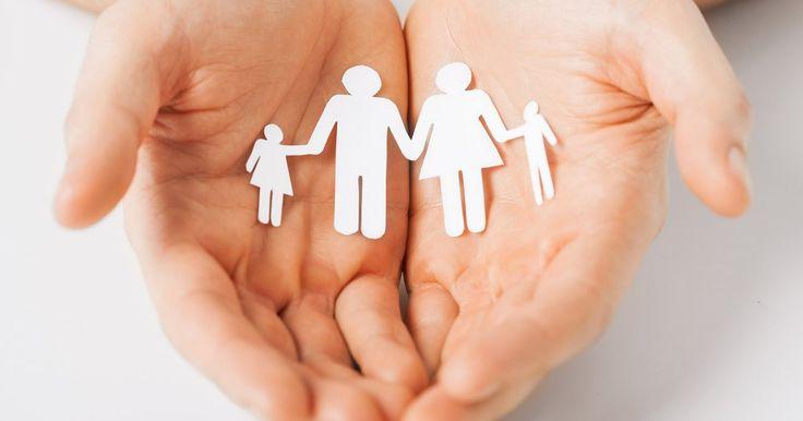 On entend souvent les personnes âgées dire que les valeurs familiales se perdent. Ont-elles raison? Pleins feux sur nos valeurs familiales, un héritage à honorer.