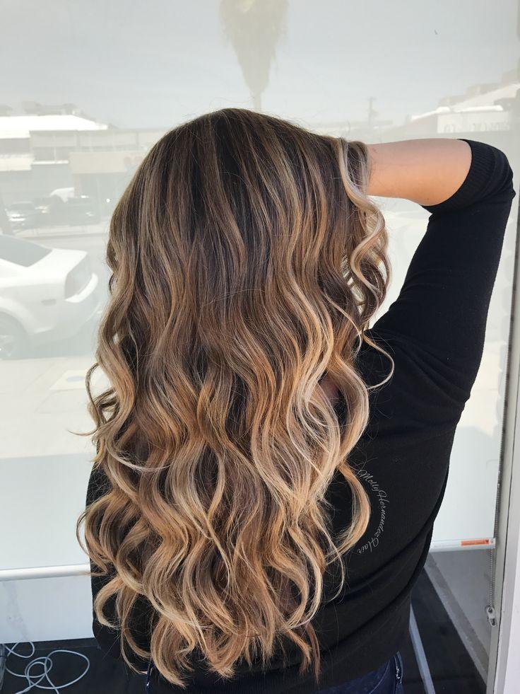 Blonde balayage highlights on brown hair, bronde ombré