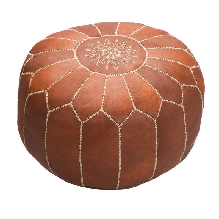 Tento taburet byl vyroben v Maroku z kvalitní kozí kůže v malé manufaktuře v blízkosti města Marakéš. Jeho rozměry jsou přibližně 55 x 40 cm, ve spodní části má zip.Taburet je možné jednoduše plnit molitanem,EPS kuličkami, přírodními materiály (kapokem či pohankou), ale takéstarým oblečením, hadry, novinami, ručníky, náplněmi do polštářů - fantazii se meze nekladou! V případě, že si přejete obdržet taburet již naplněný, prosím objednejte si také náplň.Drobné ...
