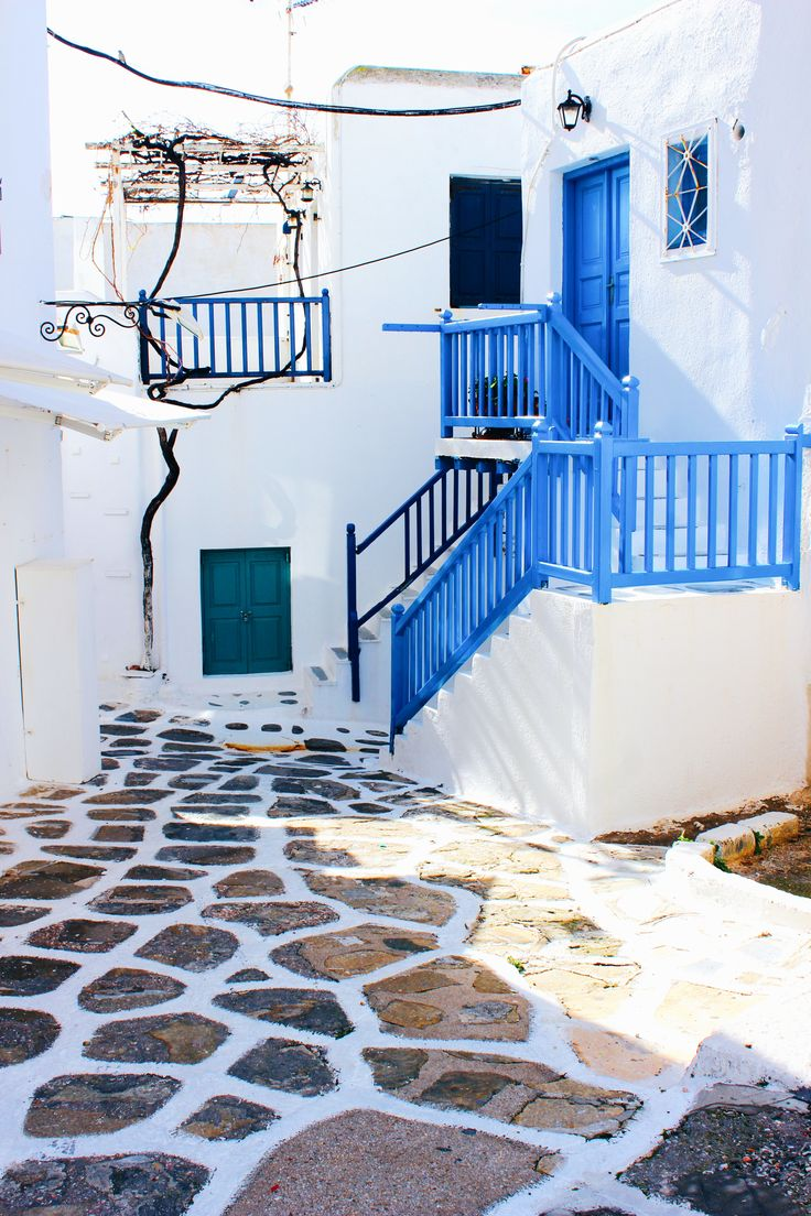 Street of Mykonos 🇬🇷 Greek island 📍🌍 click photo for travel blog