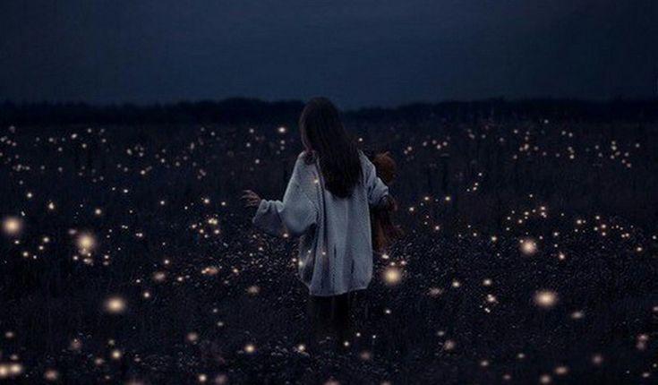 Τις μεγαλύτερες αλλαγές της ζωής σου, δεν τις συζήτησες με κανέναν. Δεν τις ανακοίνωσες, δεν τις φώναξες, δεν τις παρουσίασες και το κυριότερο δεν τις διαφήμισες. Έγιναν μέσα από μια έκρηξή σου, την πιο ανύποπτη στιγμή, που ήταν τόσο δυνατή που σε έκανε κομμάτια.