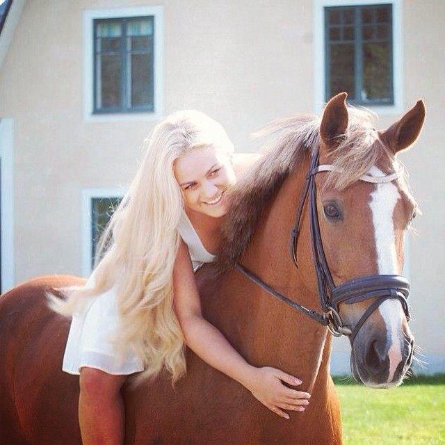 Hevostyttö