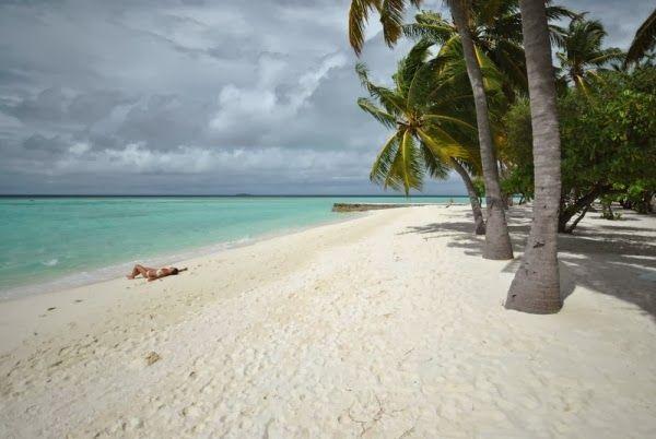 Per andare e non tornare più... Maldive! http://www.sphimmstrip.com/2014/02/vacanza-alle-maldive-tra-spiaggia-e-diving-alimatha.html?m=1