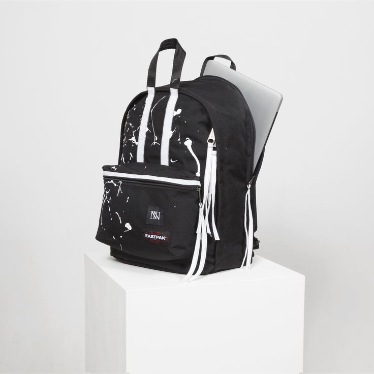 Berlin Fashion Week: ​ EASTPAK x INAN launch party at SOTO Berlin  - A dare il via alla fashion week berlinese, che si incastona tra le sorelle maggiori di Milano e Parigi, l'evento EASTPAK x INAN svoltosi nel celebre SOTO Store in Torstrasse, nel quartiere di Mitte.  - Read full story here: http://www.fashiontimes.it/2017/01/berlin-fashion-week-%e2%80%8b-eastpak-x-inan-launch-party-at-soto-berlin/