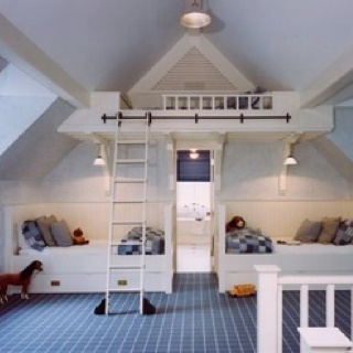 love the top bunk...I would have loved this as a kid...heck, I would love this now haha