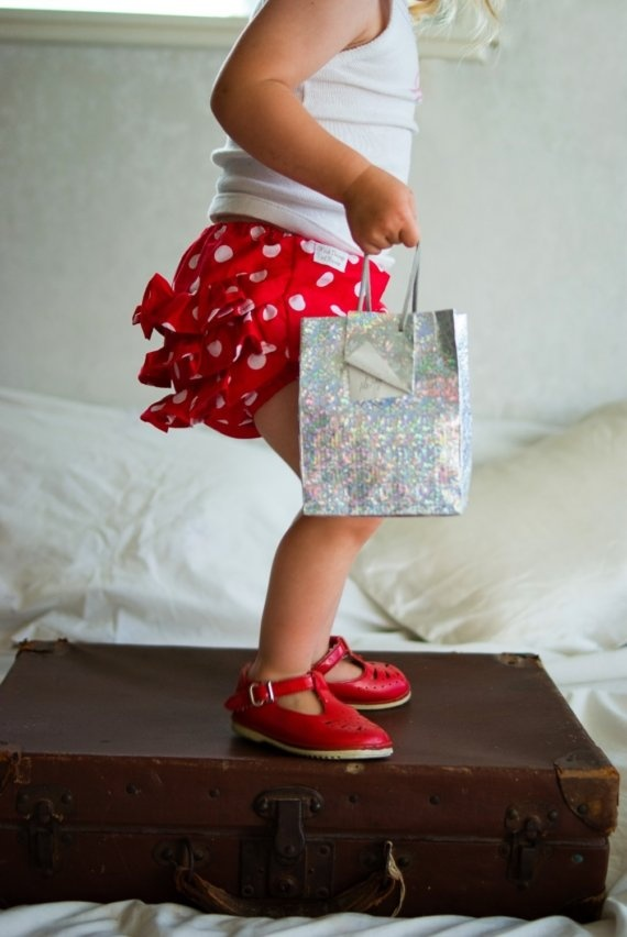 LOVELittle Girls, Little Red, Red Shoes, Diapers Covers, Dots Bloomers, Squeaky Shoes, Red White Polka Dots, Kids Clothing, Ruffles