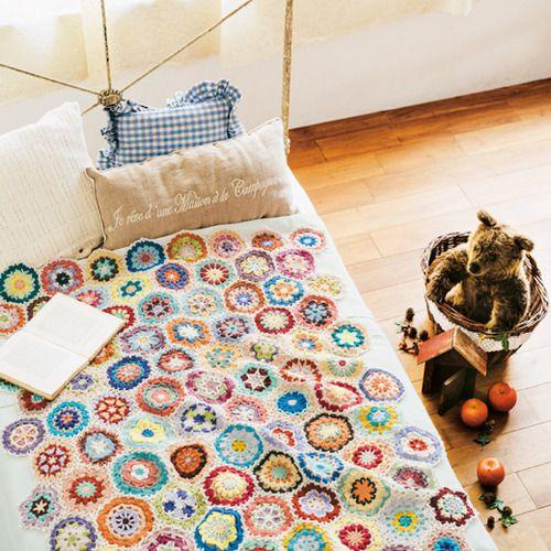編んで広がるカラフルパターン 万華鏡みたいな かぎ針編みモチーフの会