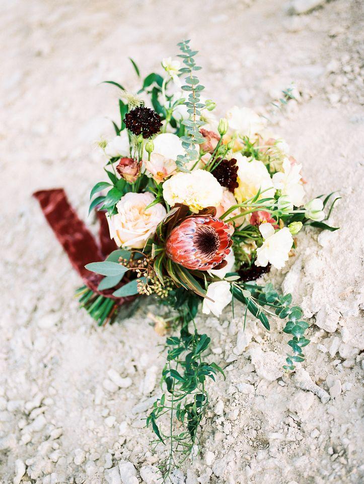 Elopement Vs Wedding Modern Wedding Bouquets Wedding Bouquets Flower Bouquet Wedding