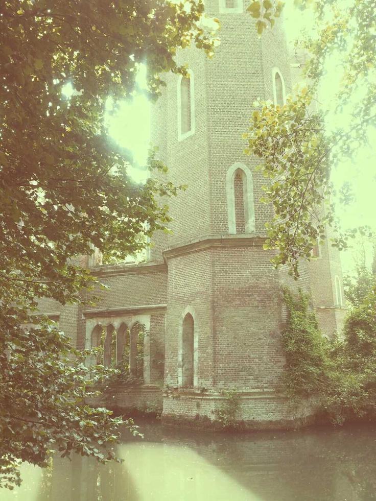 """""""La filature dite Levavasseur de Fontaine-Guérard à Pont-Saint-Pierre est une cathédrale industrielle, construite au milieu du xixe siècle sur un ex-bien national et conservée à l'état de ruine depuis son incendie en 1874. Elle est souvent confondue avec l'abbaye Notre-Dame de Fontaine-Guérard, qui se trouve à proximité."""" Wikipédia"""