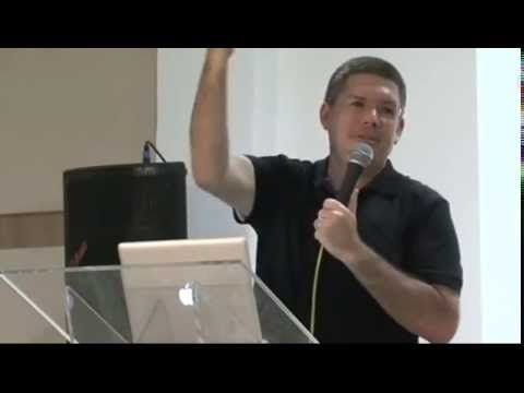 Pastor mostra como é facil enganar os fieis - YouTube