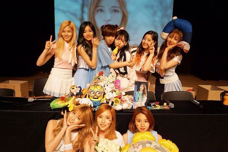 I miss dorkies  #TWICE #ONCE #kpop #nayeon #jeongyeon #momo #sana #jihyo #mina #dahyun #chaeyoung #tzuyu #트와이스 #원스 #나연 #정연 #모모 #사나 #지효 #미나 #다현 #채영 #쯔위