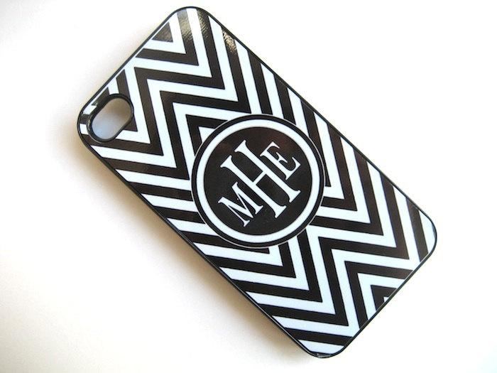 Black and White Chevron iPhone 4 Case with Monogram  - iPhone 4 4S Cover-  Hard BLACK Plastic Case