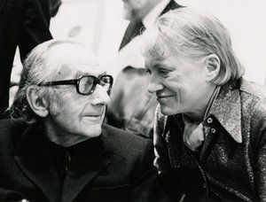 Much More Than A Muse: The Art Of Lee Miller And Man Ray : NPR - The couple's devastating breakup in 1932 inspired some of their most famous works of art. But Man Ray and Lee Miller reconciled in 1937 and stayed close for the rest of their lives. They are pictured together in London in 1975. Eileen Tweedy/The Roland Penrose Collection