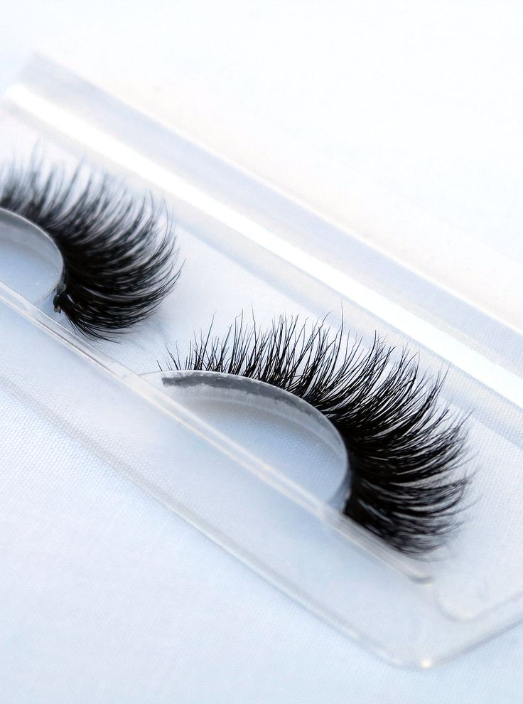 Perosia offers a range of Premium 3D Mink Fur Lashes that are hand made and 100% animal cruelty free.