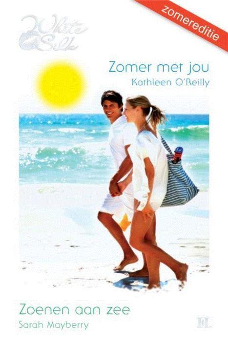 Zomer met jou ; Zoenen aan zee  (1) ZOMER MET JOU - Met de zon op je gezicht en iets koels bij de hand... Alles achter je laten. Alleen maar genieten lekker zorgeloos. Geen wonder dat je tijdens de vakantie heel andere kanten van jezelf ontdekt. Dan sta je opeens op een surfboard samen met een adembenemende instructeur. Duik je het water in met een bikini aan die je thuis echt niet aan zou trekken maar die je wel geweldig staat... Of durf je zomaar die geweldige man aan te spreken die op dat…