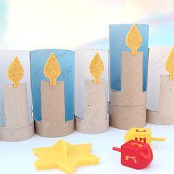 Toilet paper tubes make perfect stand up candles! evt. hier een adventskalender van maken