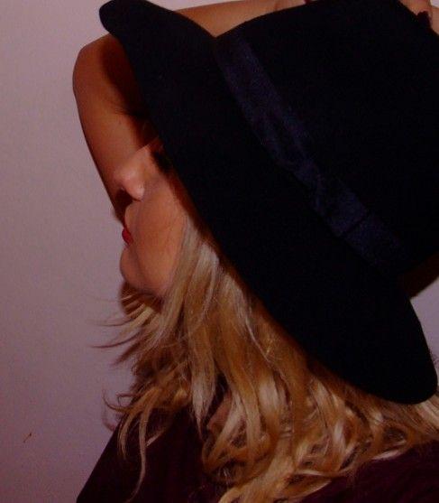 Nume de cod: Pălăria veselă!