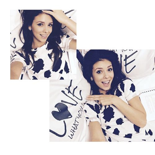 Actress Klaudia Halejcio in Shabatin t-shirt!