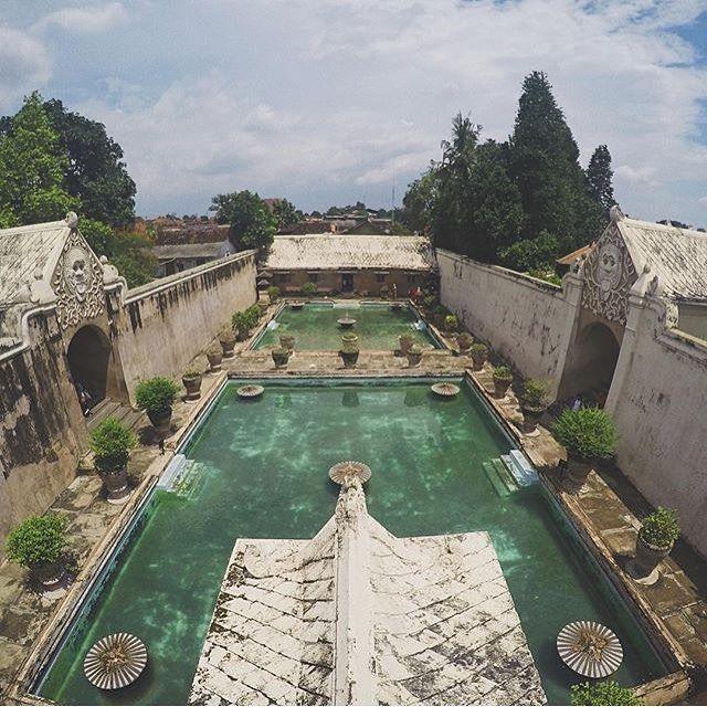 #explorejogja photo today by @leonardrosser taken at Taman Sari Water Castle.