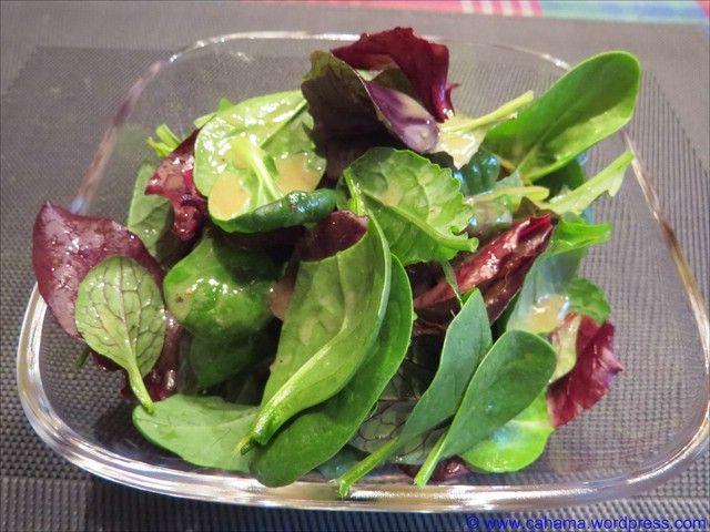 Der sehr geschmacksintensive und etwas süße Feigen-Essig verleiht der Vinaigrette ein tolles Aroma, welches gut zu kräftig-würzigen und/oder leicht bitteren Salaten passt. Wir haben sie für eine Wi…