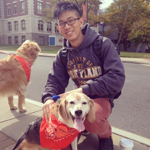 S.I. Newhouse School of Public Communications in Syracuse, NY is engaging with news today! The newshounds are making a lot of friends around campus today. http://newhouse.syr.edu/career-development/events/national-news-engagement-day