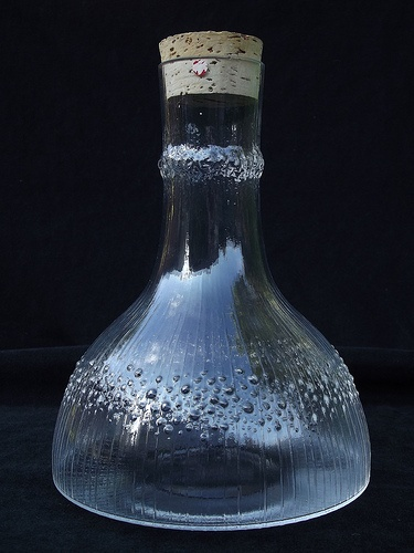 Iittala Niva glass decanter. Designed by Tapio Wirkkala.