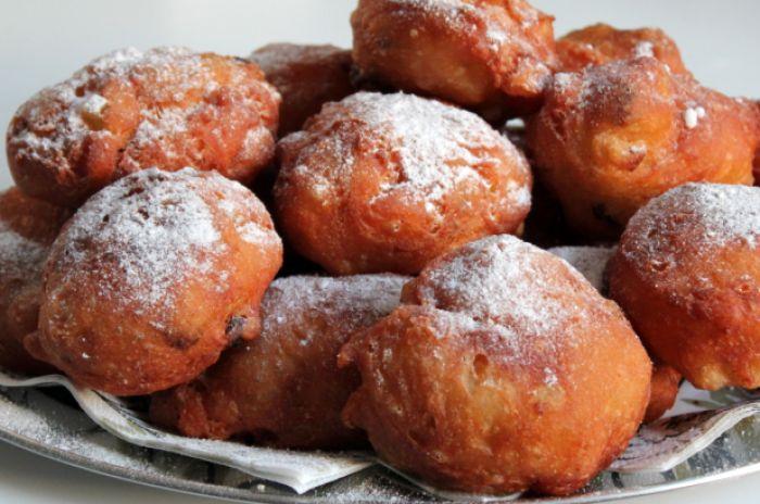 Recept: Oliebollen met rozijnen, appel en sukade   Womanistical