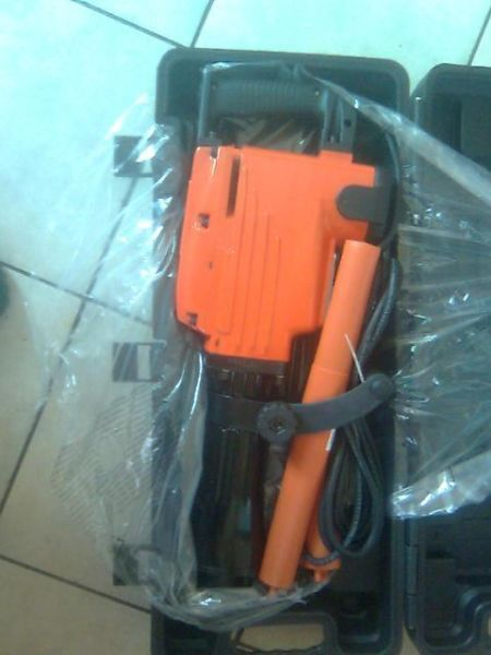 BREAKER - JACK HAMMER 1500W BRAND NEWCONTACT DANIE 084 947 6270 OR 011 626 3326ADDRESS: UNIT C2 KROST PARK 62 LOWER GERMISTON RD HERIOTDALE JHB.(CLOSE TO CLEVELAND STATION)