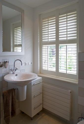 18 best images about shutters - bathroom on pinterest, Badkamer