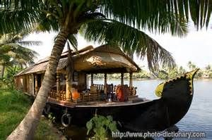 boat house - photo/picture definition - boat house word and phrase ...