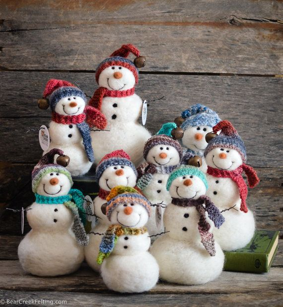 Needle felted snowmen by Teresa Perleberg of Bear Creek Felting.