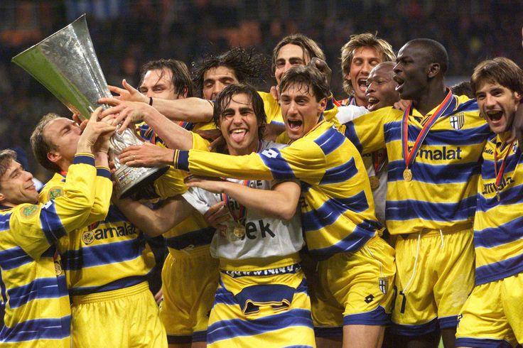 Coupe de l'UEFA 1999 #Cannavaro #Thuram #Champion #ParmaFC #Champion #9ine @Parma
