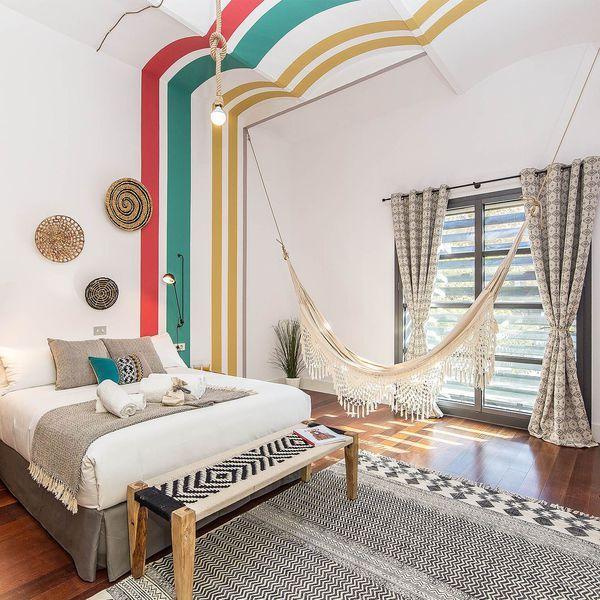 mettre de la couleur dans une chambre d 39 adulte places. Black Bedroom Furniture Sets. Home Design Ideas