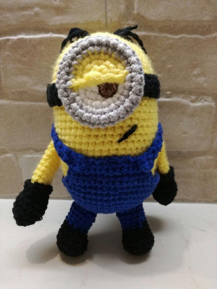 crochet minion Stewart