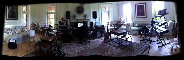 Jay-ZとKanye Westがレコーディング・セッション中のホーム・スタジオ