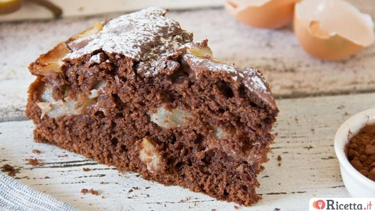 A chi è a dieta non far sapere quant'è buono il cioccolato con le pere! La torta cioccolato e pere è un dolce tipicamente autunnale che, grazie al connubio tra l'amaro del cacao e il dolce delle pere, lascerà deliziati anche i palati più esigenti. Grazie alla preparazione super veloce, questa torta&e
