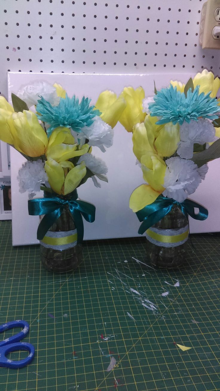 DIY, prego jars, recycle, upcycle, teal, yellow, white, lace, flowers, kitchen, vases.