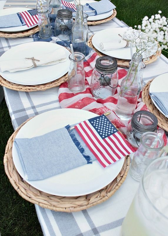 Easy Fourth of July Table Decor