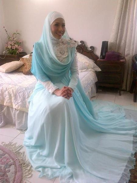 Irma Hasmie Ibrahim - soft blue and white hijab, full dress