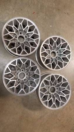 Firebird Trans Am snowflake wheels 15×7 Bandit – auto parts – by owner
