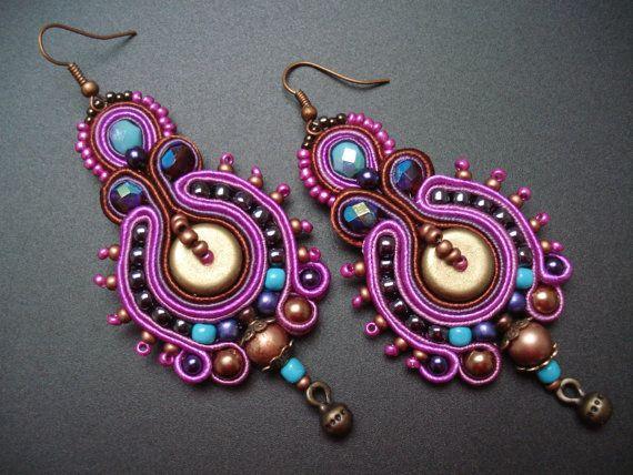 Turquoise-fuchsia unique fait main soutache/soutasz boucles d'oreilles, style hippie de Bohème tzigane