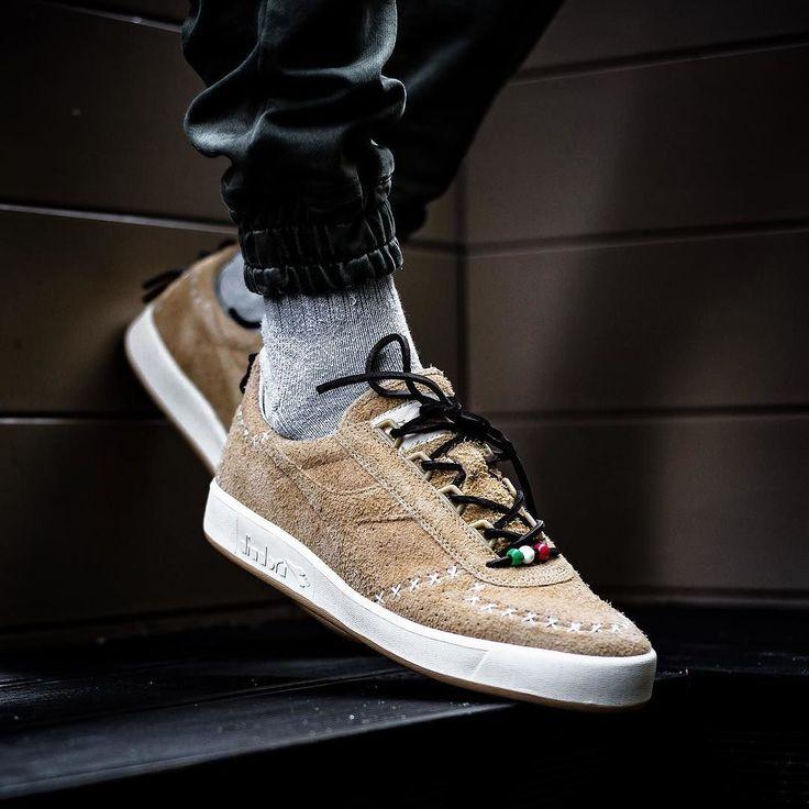 "SOCIAL STATUS X DIADORA  B.ELITE ""X PIC"" 16000  Release 23  Dicembre / December  H 00.01 (link in bio)  @sneakers76 in store  online @thesocialstatus @diadoraofficial #diadora #socialstatus #belite #elite #xpic  PHOTO CREDIT  #sneakers76 #sneakers76hq #teamsneakers76  ITA - EU free shipping over  50  ASIA - USA TAX FREE  ship  29  #instakicks #sneakers #sneaker #sneakerhead #sneakershead #solecollector #soleonfire #nicekicks #igsneakerscommunity #sneakerfreak #sneakerporn #sneakerholic…"