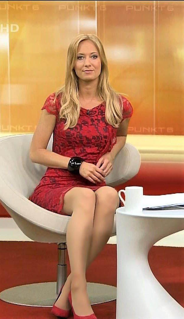 Angela Finger Erben RTL TV | Formal dresses, Fashion, Model