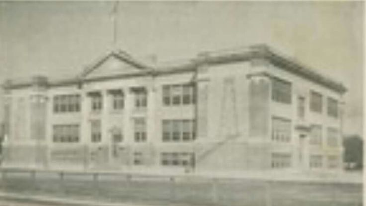 The old sour lake elementary in sour lake tx was a for Sour lake motors tx