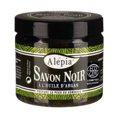 Alepia - Mydło Czarne (fr. Savon Noir) jest mydłem roślinnym w 100 % naturalnym. Ma strukturę mazistą i barwę brunatną. Savon noir nie pieni się jak inne mydła. Poprzez roztarcie w rękach i aplikacji na skórę powstaje delikatnie przyjemna emulsja o subtelnym zapachu oliwek - które zaraz obok oleju arganowego stanowią sztandarowe składniki mydła.  Służy do przygotowania skóry do peelingu. Jest bardzo łagodne i skuteczne ponad miarę. Jest produktem całkowicie naturalnym.