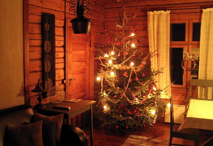 Our cottages are in year-round use. #Olivia #cottage #christmas