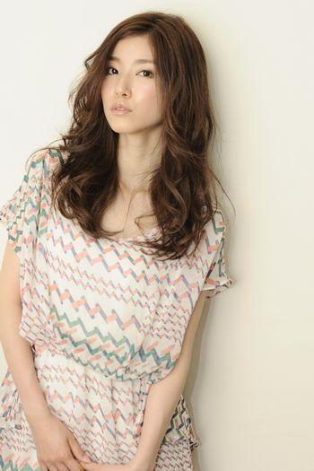 ナチュラルな中に、女性らしい魅力をアクセントでプラス☆ ▼もっと見る▼ http://ip.b-colle.jp/app_link/